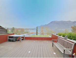 Single Family Home for sales at Appartement face au lac  Annecy, Rhone-Alpes 74000 France
