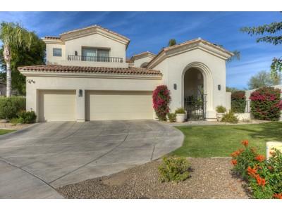 Частный односемейный дом for sales at Elegant Home in Guard-Gated Scottsdale Community 7688 E Sierra Vista Drive  Scottsdale, Аризона 85250 Соединенные Штаты