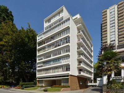 Condominio for sales at Beach Park Apartments 504 - 2095 Beach Avenue Vancouver, Columbia Britannica V6G3A7 Canada
