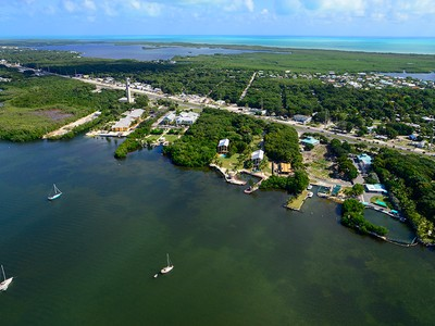 Maison multifamiliale for sales at Mahogany Bay 101950 Overseas Highway Key Largo, Florida 33037 États-Unis