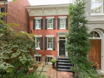 Maison de ville for sales at 3013 P Street NW, Washington  Washington, District De Columbia 20007 États-Unis