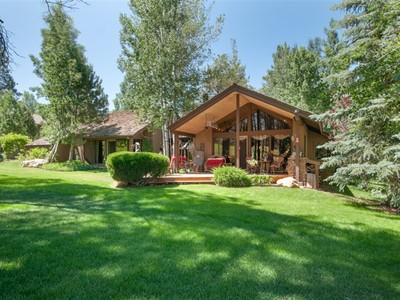 獨棟家庭住宅 for sales at Rustic Elegance on the Aspen Fairway 4000 Country Club Dr  Flagstaff, 亞利桑那州 86004 美國