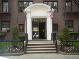 """Co-op for rentals at """"DECORATOR'S DREAM IN DOORMAN BUILDING""""  Forest Hills, New York 11375 United States"""
