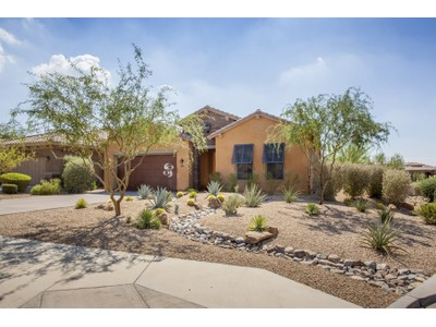 Casa para uma família for sales at ''Better Than New'' Home In The Highly Desirable Community Of Windgate Ranch 17595 N 98th Way Scottsdale, Arizona 85255 Estados Unidos