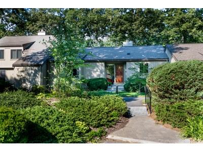 콘도미니엄 for sales at Wooded Condo Community 234 Aspen Circle Lincoln, 매사추세츠 01773 미국