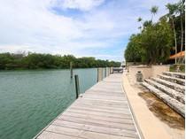 Casa para uma família for sales at Cape Florida 20 Cape Florida   Key Biscayne, Florida 33149 Estados Unidos