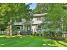 Einfamilienhaus for  sales at Sophisticated & Renovated Colonial 34 Elena Drive   Cortlandt Manor, New York 10567 Vereinigte Staaten