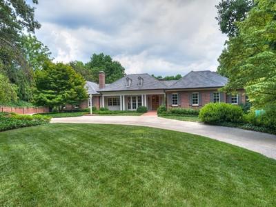 Einfamilienhaus for sales at Buckhead  Atlanta, Georgia 30327 Vereinigte Staaten