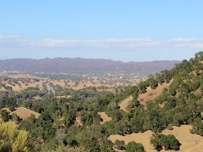 Terrain for sales at Phenomenal Views Near Cuesta Grade 19270 El Camino Real Santa Margarita, Californie 93453 États-Unis