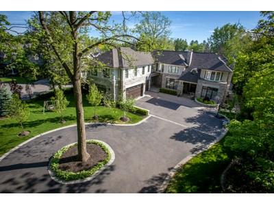Einfamilienhaus for sales at Luxurious Oakville Lifestyle 155 Chartwell Road  Oakville, Ontario L6J3Z7 Kanada