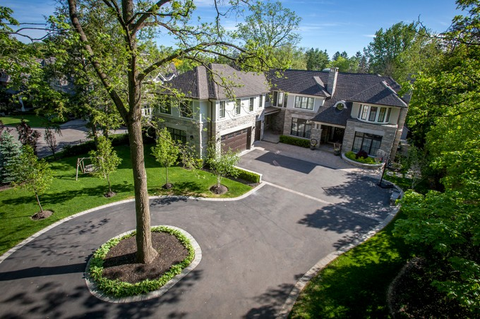Single Family Home for sales at Luxurious Oakville Lifestyle 155 Chartwell Road   Oakville, Ontario L6J3Z7 Canada
