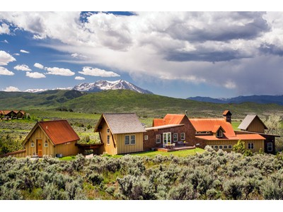 Maison unifamiliale for sales at Inspiring views...inspired architecture 31 Wind River Road  Carbondale, Colorado 81623 États-Unis