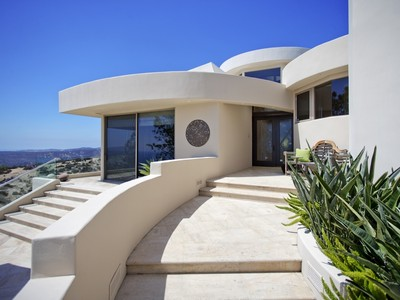 Maison unifamiliale for sales at Laguna Beach 3221 Bern Court Laguna Beach, Californie 92651 États-Unis