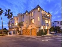 独户住宅 for sales at 16815 S Pacific Coast    Sunset Beach, 加利福尼亚州 90742 美国