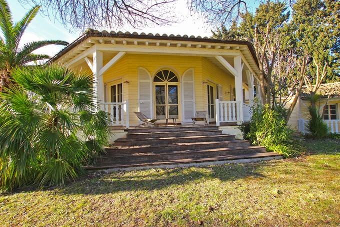 Vivienda unifamiliar for sales at Charming countryhouse inProvence  Fontvieille, Provincia - Alpes - Costa Azul 13990 Francia
