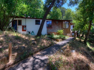 Single Family Home for  at Unique Opportunity ro Create Your Dream Home 10 & 14 Ray Court San Anselmo, California 94960 United States