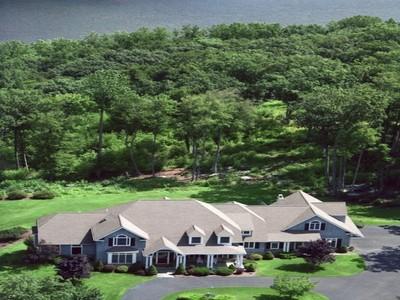 Частный односемейный дом for sales at Private Lakefront Estate 15 Falls Drive Brookfield, Коннектикут 06804 Соединенные Штаты