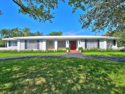 Einfamilienhaus for sales at 4800 ORDUNA DR  Coral Gables, Florida 33146 Vereinigte Staaten