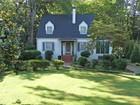 Casa Unifamiliar for  rentals at Garden Hills Cottage 2878 North Hills Drive Atlanta, Georgia 30305 Estados Unidos