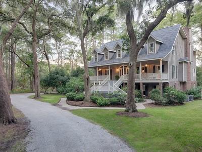 独户住宅 for sales at 105 Bradley Point Road  Savannah, 乔治亚州 31410 美国
