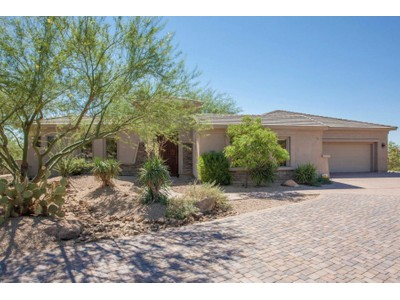 Casa para uma família for sales at Beautifully Updated North Scottsdale Home In Cresta Norte Is Move-In Ready 10115 E Happy Hollow Drive  Scottsdale, Arizona 85262 Estados Unidos