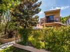 Maison de Ville for  sales at 570 G Avenue  Coronado, Californie 92118 États-Unis