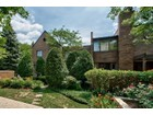Villetta a schiera for sales at 501 Burr Oak Place  Hinsdale, Illinois 60521 Stati Uniti
