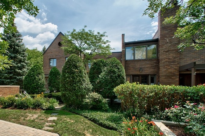 Townhouse for sales at 501 Burr Oak Place  Hinsdale, Illinois 60521 United States