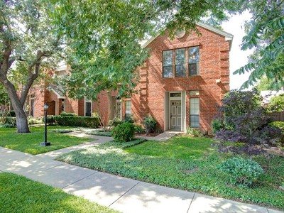 Townhouse for sales at 4722 Collinwood  Fort Worth, Texas 76107 United States