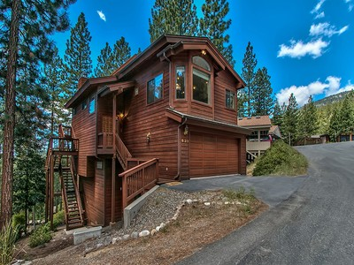 Einfamilienhaus for sales at 631 Lariat Circle  Incline Village, Nevada 89451 United States