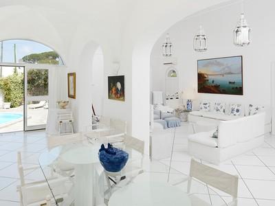 Villa for sales at Villa Capri-style con piscina Via Damecuta Anacapri, Napoli 80071 Italia