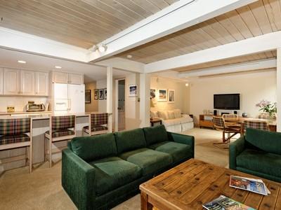 Piso for sales at An Aspen Classic 700 Ute Avenue #104 Aspen, Colorado 81611 Estados Unidos