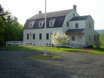 Einfamilienhaus for sales at 1502 King Hill Road  New London, New Hampshire 03257 Vereinigte Staaten