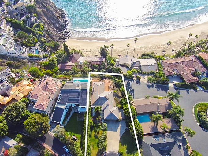 Vivienda unifamiliar for sales at 141 Emerald Bay    Laguna Beach, California 92651 Estados Unidos
