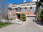 Casa Unifamiliar for sales at 11 Birchwood Avenue  Toronto, Ontario M2L1M2 Canadá