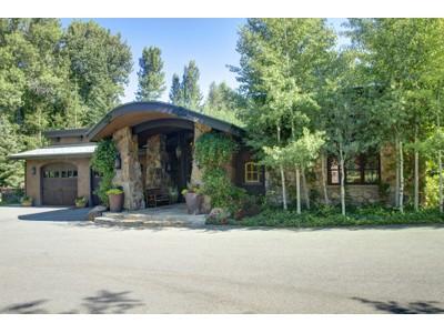 Casa para uma família for sales at Old World Craftsmanship Meets Contemporary Mountain Living 102 Sutton Place  Ketchum, Idaho 83340 Estados Unidos