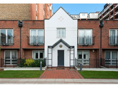 其他住宅 for sales at Squire Gardens  London, 英格蘭 NW88QH 英國