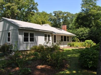 Casa para uma família for sales at Great Lincoln Location 162 Bedford Road Lincoln, Massachusetts 01773 Estados Unidos