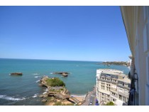 Apartamento for sales at Ocean view in the city center  Biarritz, Aquitaine 64200 França