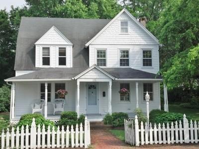 Maison unifamiliale for sales at Fair Haven Charm 42 Clay St Fair Haven, New Jersey 07704 États-Unis