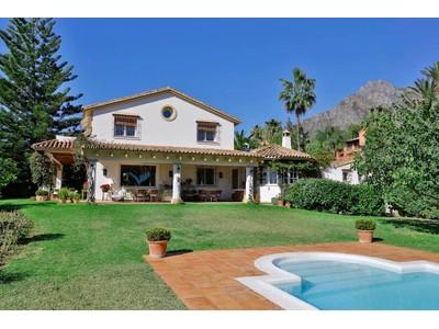 Частный односемейный дом for sales at Rocio Nagueles 22178P  Marbella, Андалусия 29660 Испания