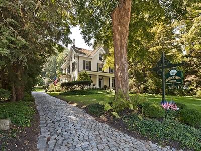 Maison unifamiliale for sales at Bridgeview House 3786 River Rd  Lumberville, Pennsylvanie 18938 États-Unis