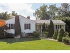 Maison unifamiliale for sales at Beautifully Maintained Home 508 Pinebrook Boulevard  New Rochelle, New York 10804 États-Unis