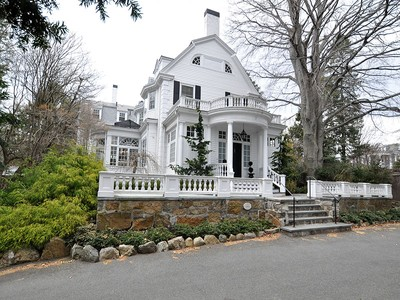 独户住宅 for sales at Elegant Colonial Revival 9 Lawrence Road Newton, 马萨诸塞州 02467 美国