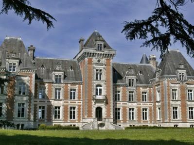 Maison unifamiliale for sales at Vente château et domaine Périgord vert  Nontron, Dordogne 24300 France