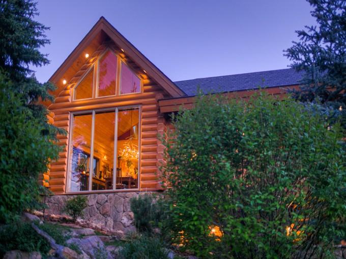 Maison unifamiliale for sales at Private Beaver Creek Log Home 2244 Beaver Creek Road Big Sky, Montana 59716 États-Unis
