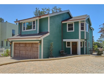 Maison unifamiliale for sales at Benson House 1701 Benson Cambria, Californie 93428 États-Unis