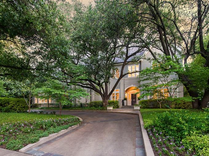 단독 가정 주택 for sales at Elegant and Classically Beautiful Home 4015 Beverly Drive   Dallas, 텍사스 75205 미국