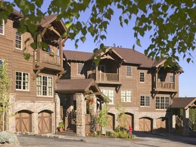 Townhouse for sales at Slopeside 141 Slopeside Whitefish, Montana 59937 United States