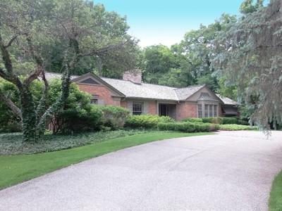 Vivienda unifamiliar for sales at Bloomfield Hills 605 Lone Pine Road Bloomfield Hills, Michigan 48304 Estados Unidos